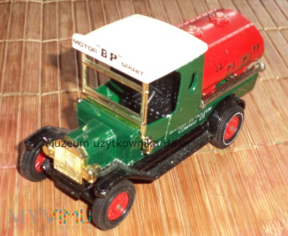 Matchbox Models of Yesteryear 1912 Ford Model T