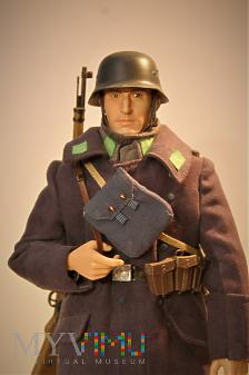 Szeregowy (fliger) z 14. Luftwaffen Feld Division.