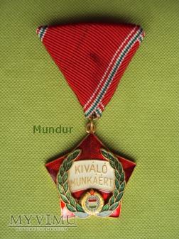 Węgierski medal: Kiváló munkáért kitüntetés