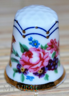 ROYAL WORCESTER/Historic patterns thru the Ages