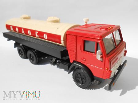 Kamaz 53212 Mlekowóz