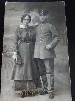 Duże zdjęcie Zakochani - żołnierze i dowódcy