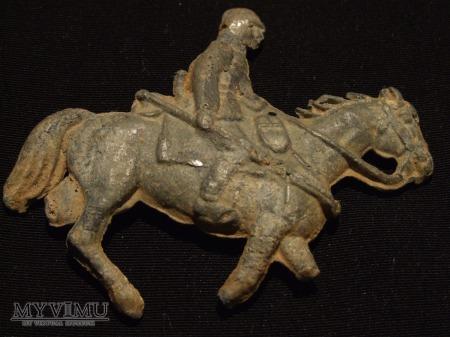 Żołnierzyk ołowiany na koniu.
