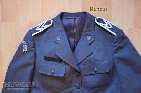 Mundur służbowy funkcjonariuszki Służby Więziennej