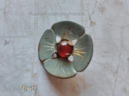 WHW Runde Form mit vier Blütenblättern