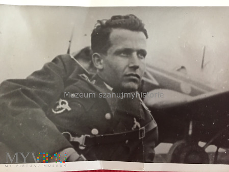 Duże zdjęcie pilot Luftwaffe ze swoją maszyną