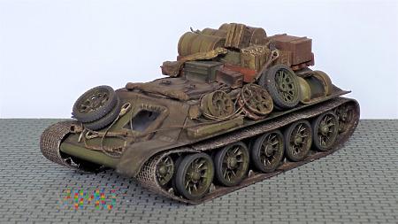 Improwizowany pojazd ewakuacyjny na bazie T-34
