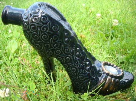 Czarny pantofelek, żurawinowy likier ukraiński
