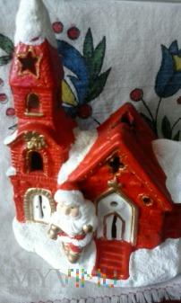 Kościółek w śniegu .