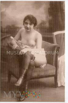 Duże zdjęcie Akt z I połowy XX w.