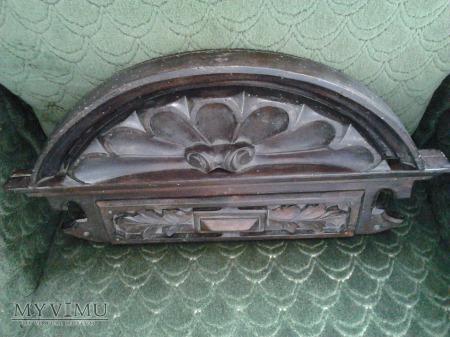 Korona szafy eklektycznej z XIX wieku