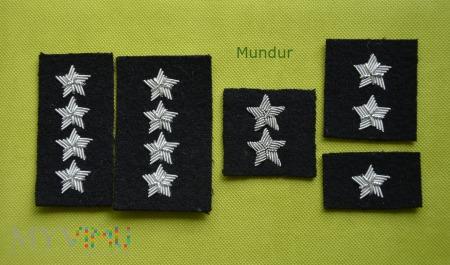 Dystynkcja na beret czarny - haft bajorkiem