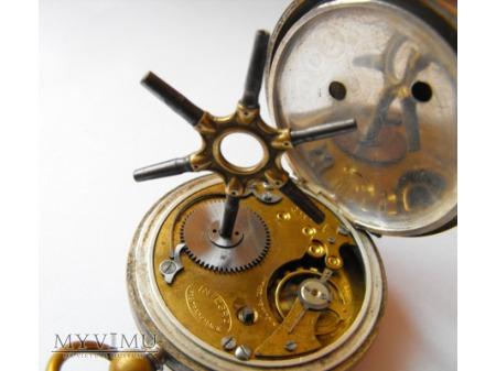 Uniwersalny klucz go zegarków kieszonkowych