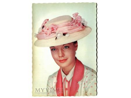 Romy Schneider piękna dama w kapeluszu....