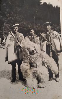 Duże zdjęcie Pamiątkowe zdjęcie z misiem - Zakopane 1960/1970